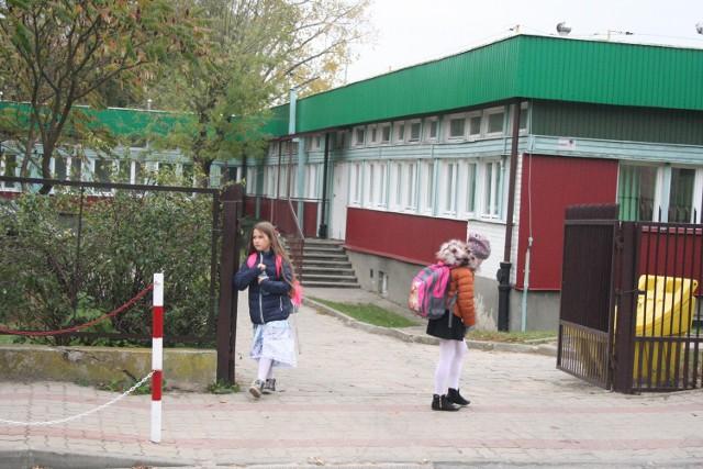 """Być może nowy budynek szkoły i przedszkola stanie w miejsca """"małej jedynki"""" przy Partyzantów."""