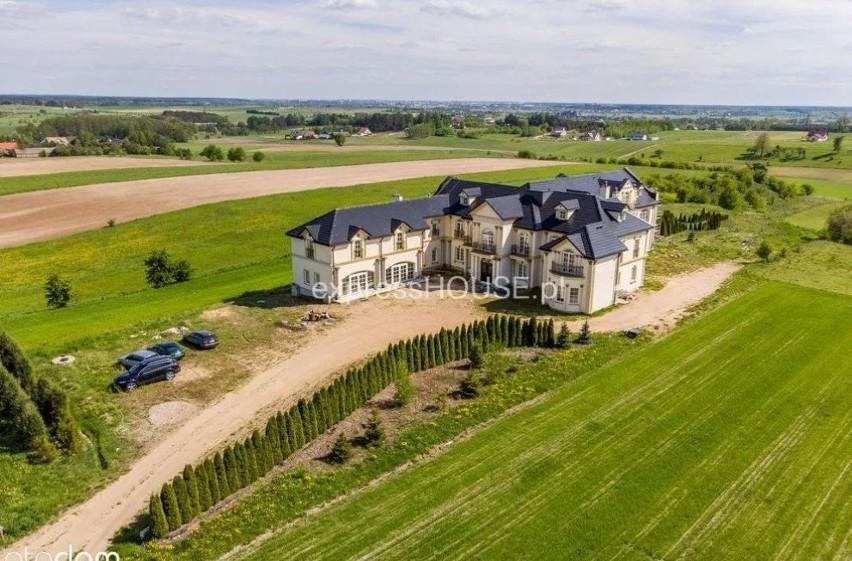 Powierzchnia działki: 13 000 m²...