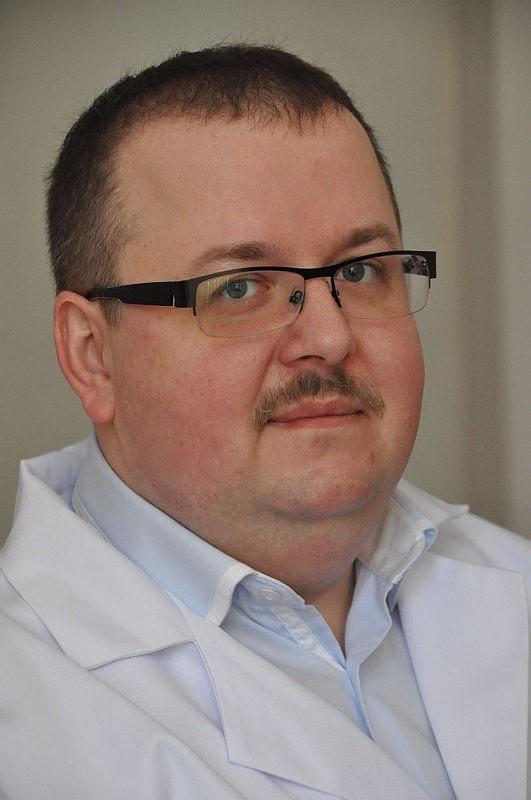 Doktor Przemysław Godzisz zachęca dzieci i młodzież do udziału w konkursie plastycznym