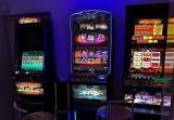 Szumowo. Nielegalne automaty do gier w lokalu. 29-latek wpadł po kontroli drogowej