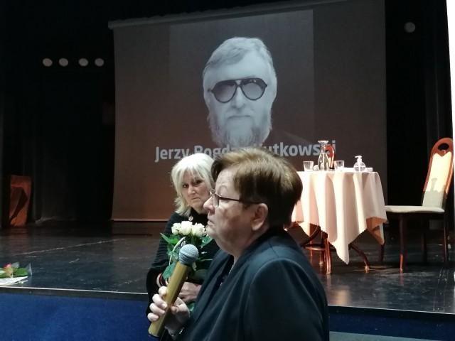 Jerzego Kutkowskiego wspominały - żona Barbara (na pierwszym planie) i Elżbieta Raczkowska.
