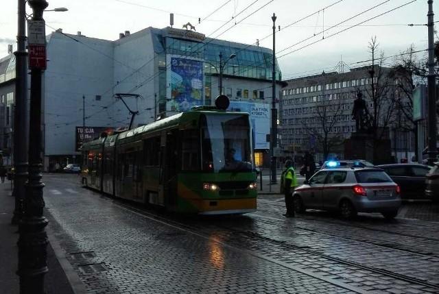 Na ul. Podgórnej ruch zablokował zepsuty tramwaj linii nr 23.