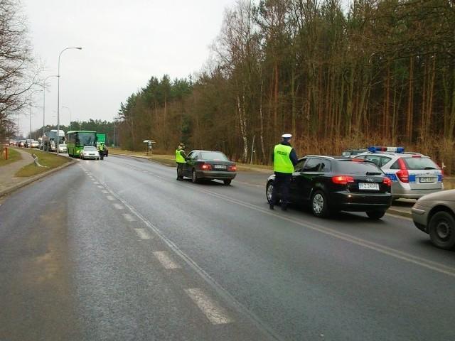 """Akcja """"Trzeźwy weekend"""" na drogach powiatu zielonogórskiego."""
