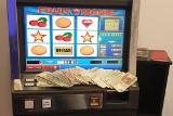 Nielegalne automaty do gier w Poznaniu. 17 takich urządzeń zabezpieczyła Krajowa Administracja Skarbowa