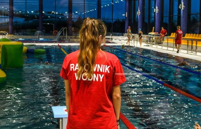 Pierwsze pływalnie otwarte zostaną w Bydgoszczy w poniedziałek, 8 czerwca. Na kolejne trzeba będzie jeszcze chwilę poczekać.