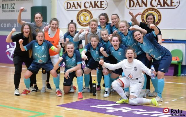 Tak futsalistki AZS UAM Poznań cieszyły się z wygranej w półfinale z Rekordem Bielsko-Biała. Po triumfie w wielkim finale radość była jeszcze większa