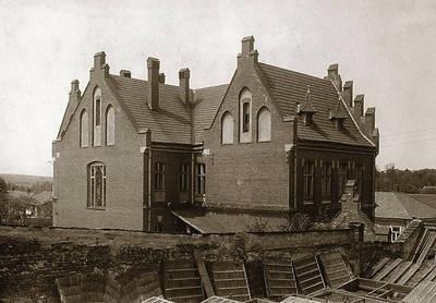 Gmach Szkoły Górniczej i Muzeum Salinarnego tzw. Sztygarówka w latach 1908 - 1910