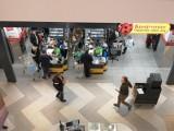 Rewolucja w Biedronkach. Koniec podwyżek dla pracowników? Sieć szykuje się na poważne zmiany