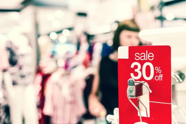 Tym razem Czarny Piątek przypada na 29 listopada, a Cyber Poniedziałek – 2 grudnia. Zakupowe szaleństwo trwa jednak dłużej niż jeden dzień, co widać na przykładzie Black Friday.