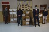 Zarząd Powiatu Włoszczowskiego przekazał do szpitala we Włoszczowie artykuły niezbędne do walki z koronawirusem