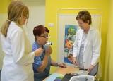 Przekroczyłeś czterdziestkę lub palisz papierosy – zrób spirometrię! Mieszkańcy powiatu lipnowskiego mogą skorzystać z bezpłatnych badań.