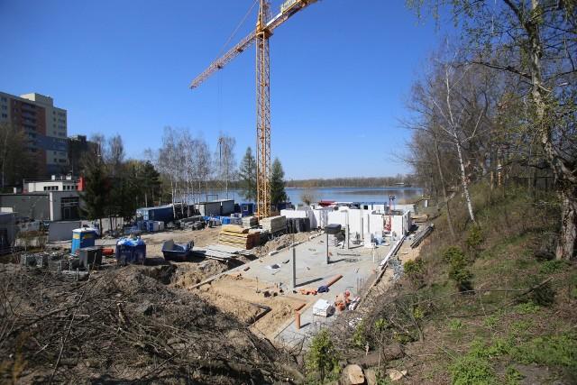 Trwa budowa nowej stanicy żeglarskiej nad stawem Morawa w Katowicach