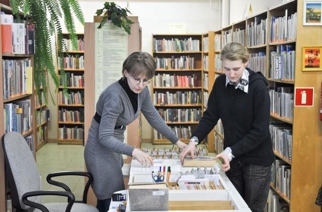 Księgozbiór filii nr 9 Książnicy Podlaskiej liczy prawie 62 tysiące woluminów, prenumeruje 166 tytułów czasopism. Wśród tych ich są pozycje dla dzieci i młodzieży.