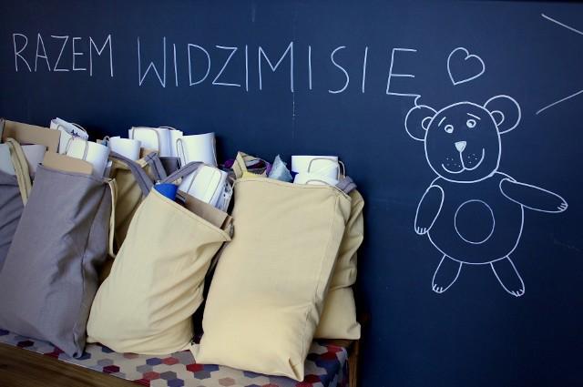 Święto Młodej Sztuki w Lublińcu – przygotowania trwają!  Dla dzieci z sekcji rękodzieła zostały przygotowane specjalne paczki artystyczne z materiałami niezbędnymi do przygotowania wystawowej pracy.