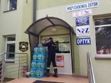 Strażacy z Rusocic wciąż pomagają medykom. Dostarczają wodę do szpitali i ośrodków zdrowia [ZDJĘCIA]