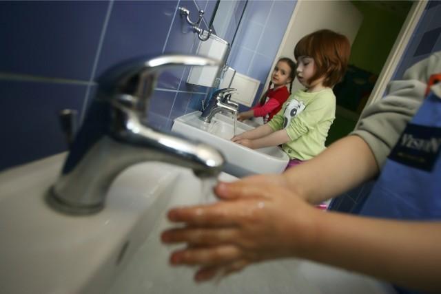 W okresie zwiększonej zachorowalności na grypę bardzo ważne jest częste mycie rąk