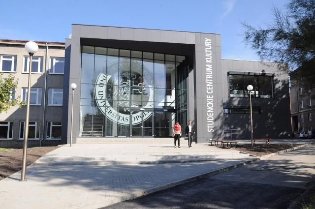 """Darmowe wejściówki na """"Giełdę"""" czekają na studentów i opolan w Studenckim Centrum Kultury przy ul. Katowickiej."""