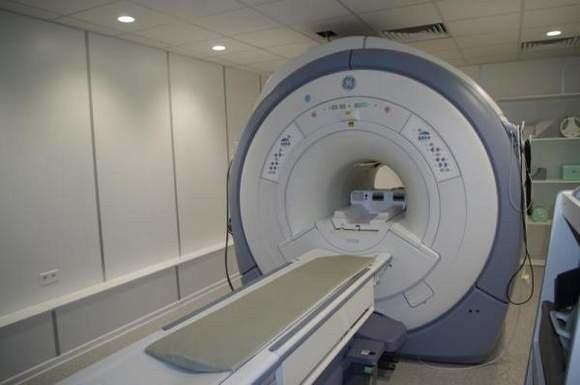 W szpitalu pani Joanna i jej mąż usłyszeli, że osoby na wózku nikt na badanie nie wniesie na rezonans magnetyczny.