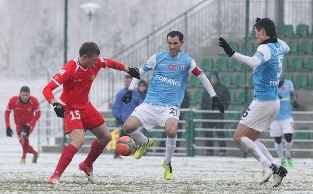 Napastnik Eduards Visnakovs chciałby zdobyć kolejnego gola w sparingu widzewiaków