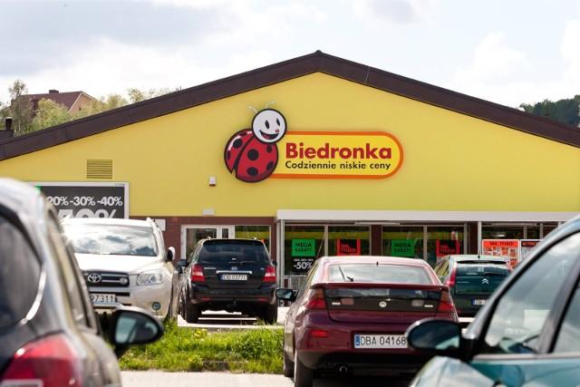Koronawirus. Czy sklepy będą zamknięte? Co ze sklepami wielkopowierzchniowymi i galeriami handlowymi?