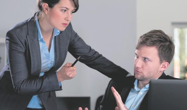 Dla jednych dyscyplina i oficjalne relacje w pracy są nie do przyjęcia, dla innych - są konieczne w firmie