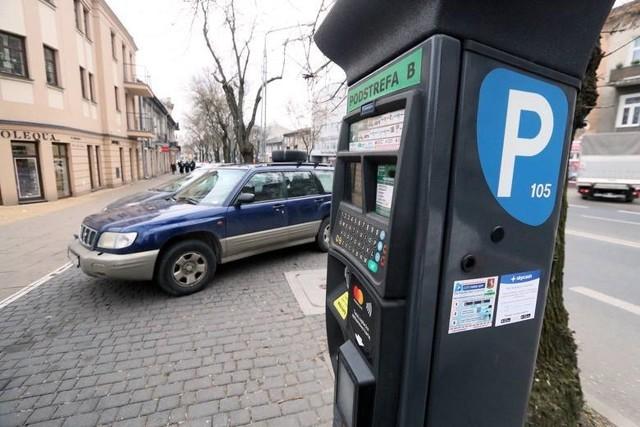 Od 1 kwietnia wzrosły opłaty za pozostawienie auta w strefie płatnego parkowania