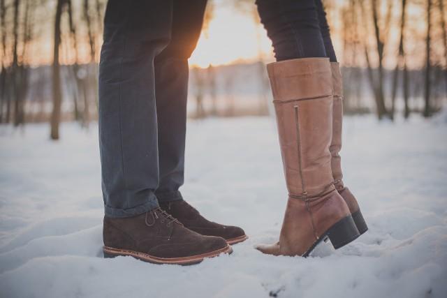 Pamiętaj, żeby nie odkładać czyszczenia butów z soli na później, bowiem należy jak najszybciej zająć się plamami.