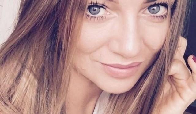 Wciąż trwa śledztwo prokuratury ws. śmierci Magdaleny Żuk w Egipcie. Tymczasem Anna Cieślińska, siostra Magdaleny Żuk, która zna materiały ze śledztwa, ale obowiązuje ją tajemnica, apeluje na swoim profilu na portalu społecznościowym do Zbigniewa Ziobry o zwolnienie jej z tajemnicy i sugeruje, że jej siostra padła ofiarą przestępstwa.CZYTAJ WIĘCEJ na kolejnym slajdzieZobacz też: