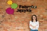 Poznaj Fabrykę Języka - szkołę, która rewolucjonizuje edukację językową dzieci i młodzieży