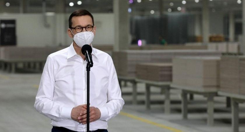 Premier Mateusz Morawiecki w firmie Cerrad w Starachowicach. Mówił o nowych inwestycjach. Zobaczcie zdjęcia z wizyty