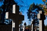 Jak ubezpieczyć nagrobek? Kiedy za szkody odpowiada zarządca cmentarza?