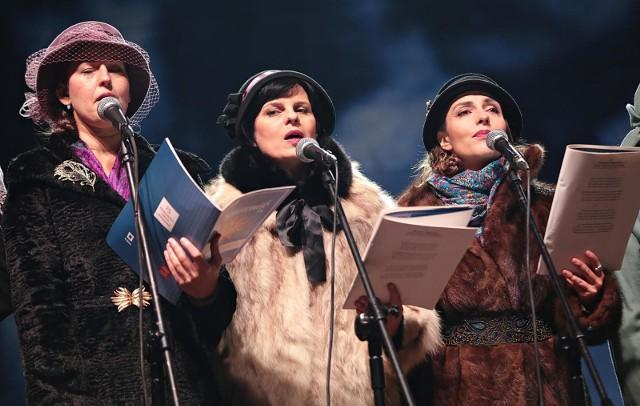 Artyści Teatru Loch Camelot w tym roku wyjątkowo zaśpiewają nie przed publicznością, lecz w filmie.