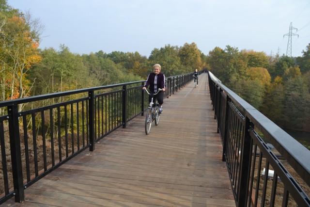 Wczoraj rano w pół godziny na moście naliczyłem ponad 20 rowerzystów i kilkunastu pieszych