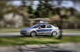 Policjanci z łódzkiej drogówki w drodze do wypadku ratowali mężczyznę z atakiem padaczki. Do zdarzenia doszło w centrum Łodzi