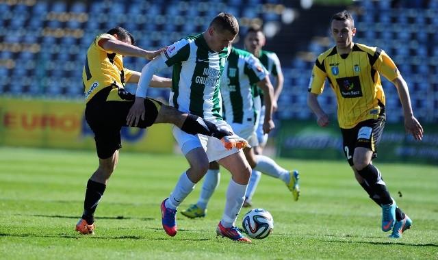 Dariusz Gawęcki, walczył z zawodnikami Sandecji, a dobrą grę uhonorował strzelonym golem.