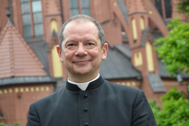 Biskup Olszowski ma koronawirusa. Chorobę przechodzi bezobjawowo