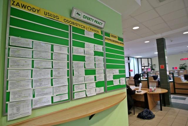 Maleje liczba zgłaszanych przez pracodawców zwolnień grupowychNajwiększą redukcję miejsc pracy można zaobserwować w Warszawie