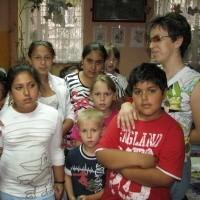 - W grupie integracyjnej jest teraz ośmioro dzieci romskich - mówi Agnieszka Brzuchalska, opiekunka klasy. - Nie wiem, co z nimi się stanie, jeśli miasto odbierze nam lokal przy Orzeszkowej.