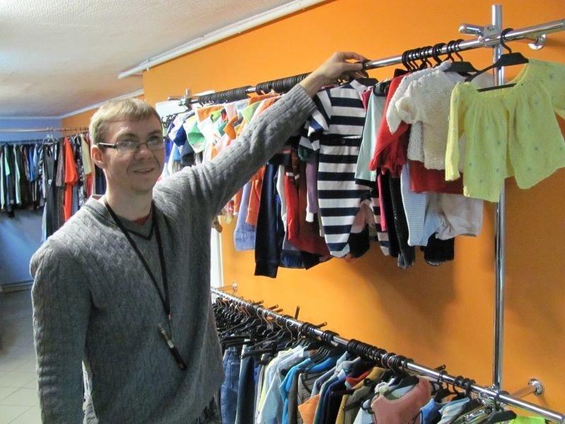 baa4a9e610 Nietypowa świąteczna akcja sklepu. Sprzedają ubrania dla dzieci za 1 grosz