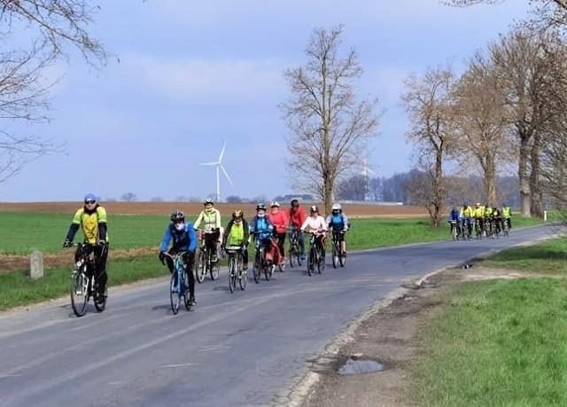 """W Inowrocławiu wytrawnych rowerzystów, którzy mogą nakręcić dla miasta kilometrów nie brakuje. Na pewno takimi są przedstawiciele miejscowego Klubu Turystyki Rowerowej """"Kujawiak"""""""