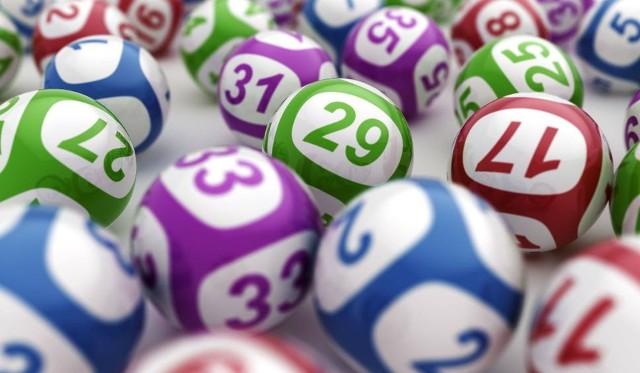 Lotto. W artykule podajemy wyniki losowania z 30 czerwca 2020 [LICZBY: Lotto, Lotto Plus, Multi Multi, Kaskada, Mini Lotto, Super Szansa] 30.06.2020 r.