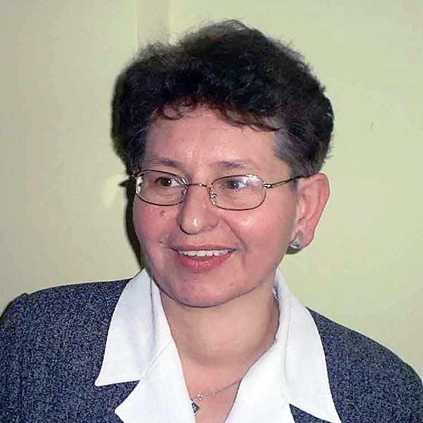 Barbara Wdowiarz, szefowa PCPR:  - W tej chwili w 75 rodzinach zastępczych przebywa 125 dzieci z powiatu mieleckiego. Właśnie tam przygotowują się do dorosłego życia.