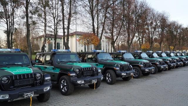 60 nowych jeepów trafi do jednostek Straży Granicznej w całej Polsce.Zobacz kolejne zdjęcia. Przesuwaj zdjęcia w prawo - naciśnij strzałkę lub przycisk NASTĘPNE