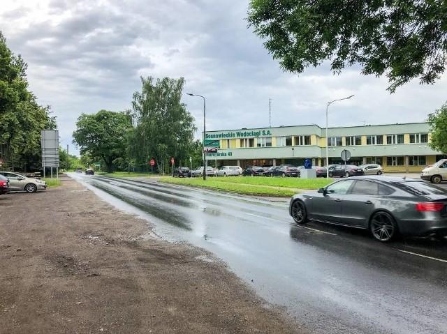 Już w przyszłym tygodniu rusza przebudowa drugiego odcinka ulicy Ostrogórskiej w Sosnowcu. Ulica była już w złym stanie. Miasto wyznaczyło objazd. Zobacz kolejne zdjęcia. Przesuń zdjęcia w prawo - wciśnij strzałkę lub przycisk NASTĘPNE.