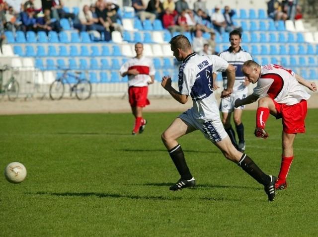 Zwycięskiego gola dla Floty zdobył Krzysztof Mikuła (z prawej). To już jego czwarty gol w tym sezonie.