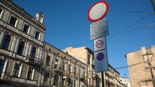 W Łodzi ograniczenie prędkości do 30 km/h obowiązuje m.in. w ścisłym centrum Łodzi na przecznicach ul. Piotrkowskiej.