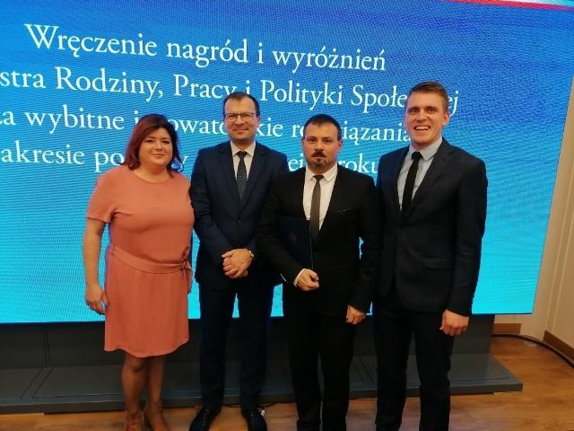 Ministerstwo nagrodziło stowarzyszenie Nazaret.