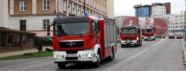 Strażacy przejechali wozami bojowymi przez Białystok