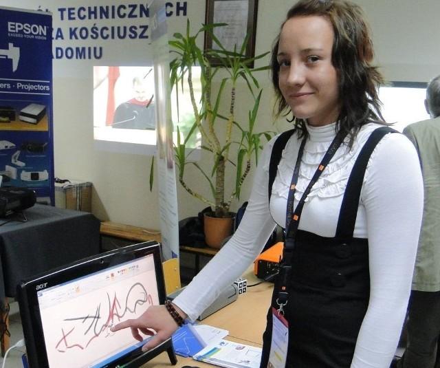- Nowoczesne komputery bardzo przydają się dziś w nauce, nie tylko informatyki – mówi Klaudia Świątkowska, uczennica klasy I a w technikum informatycznym Zespołu Szkół Technicznych w Radomiu.