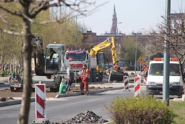 Prace remontowe al. Zagłębia Dąbrowskiego postępują sprawnie